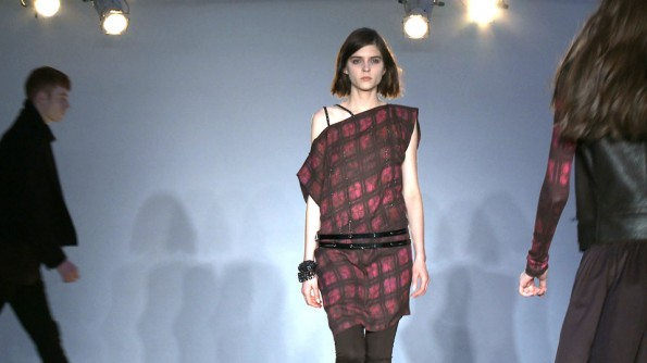 Edun did reds darkly, mixing in bruise-y and punch tones of the hue du season...